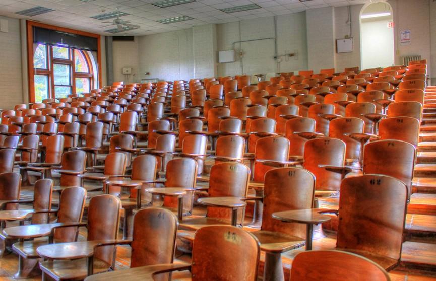 Минобразования посоветовало вузам Беларуси скорректировать учебный процесс из-за COVID-19