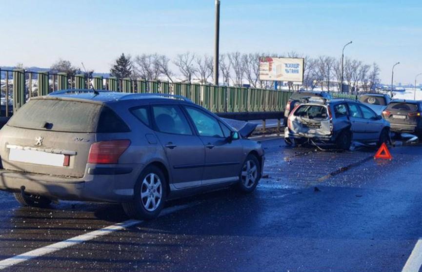 Пять машин столкнулись на МКАД
