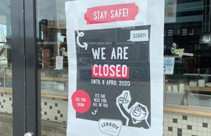 Владельцы кафе в Нидерландах подали в суд на правительство из-за COVID-ограничений