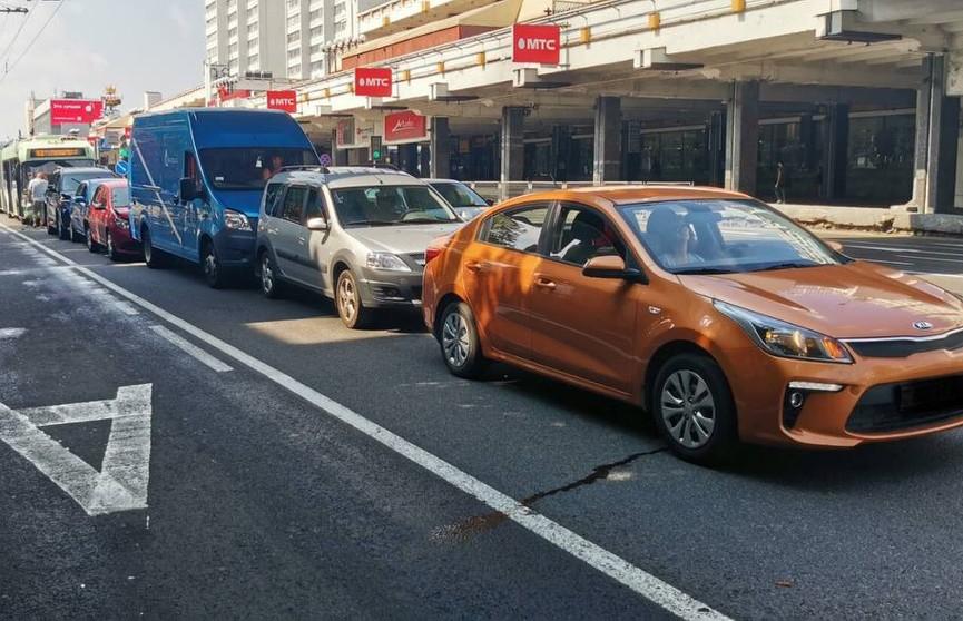 Массовое ДТП на Немиге: столкнулись шесть автомобилей и троллейбус
