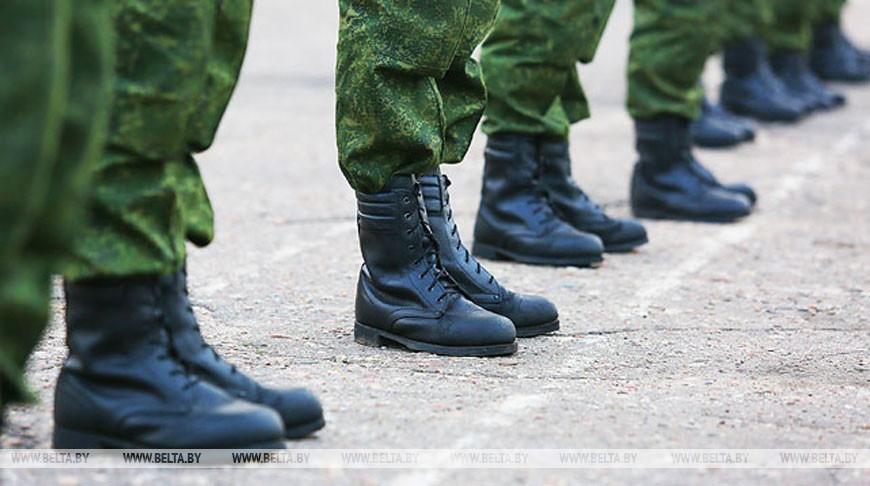 На Лепельском полигоне во время занятий у солдат-срочников загорелся БМП