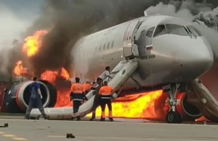 Восстановлены детали катастрофы Superjet 100 в «Шереметьево»: эксперты назвали возможные ошибки экипажа