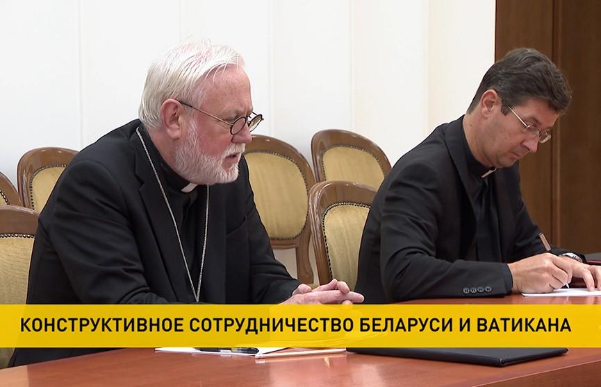 Глава МИД Беларуси встретился с представителем госсекретариата Святого Престола