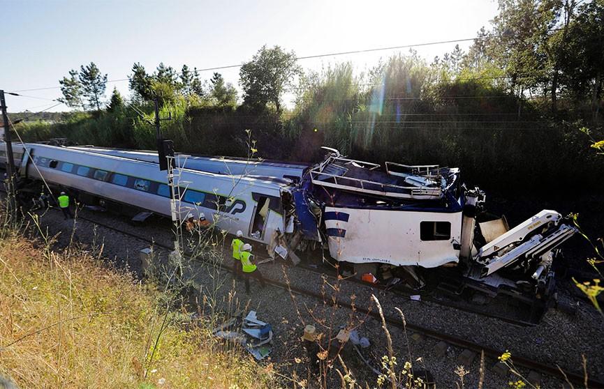 Высокоскоростной поезд потерпел крушение в Португалии