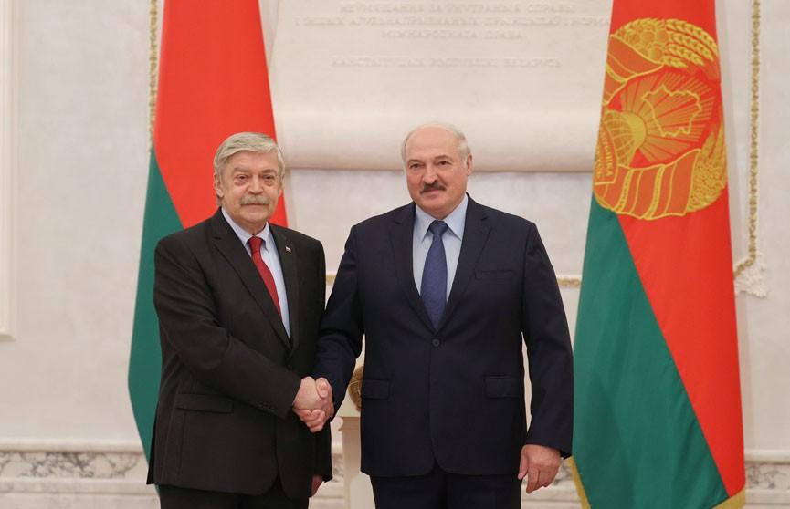 Александр Лукашенко принял верительные грамоты послов шести стран