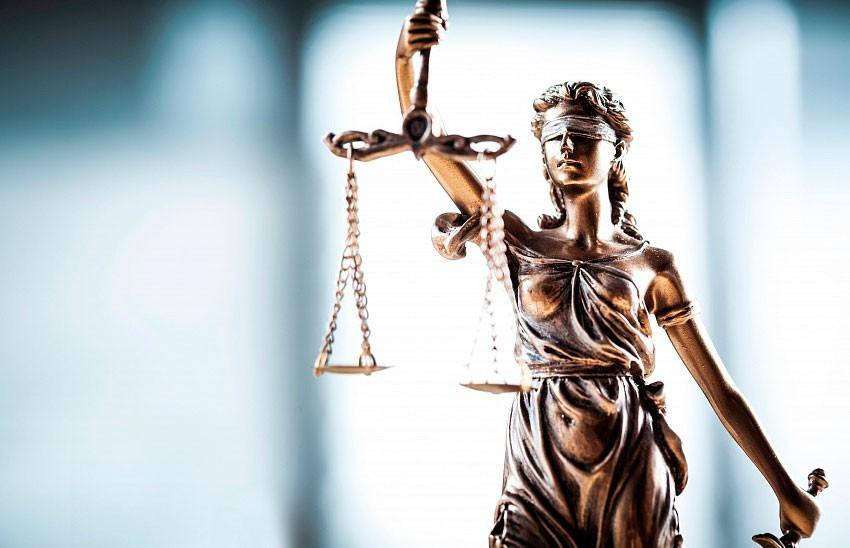 Судья в Таиланде пытался покончить с собой после вынесения приговора