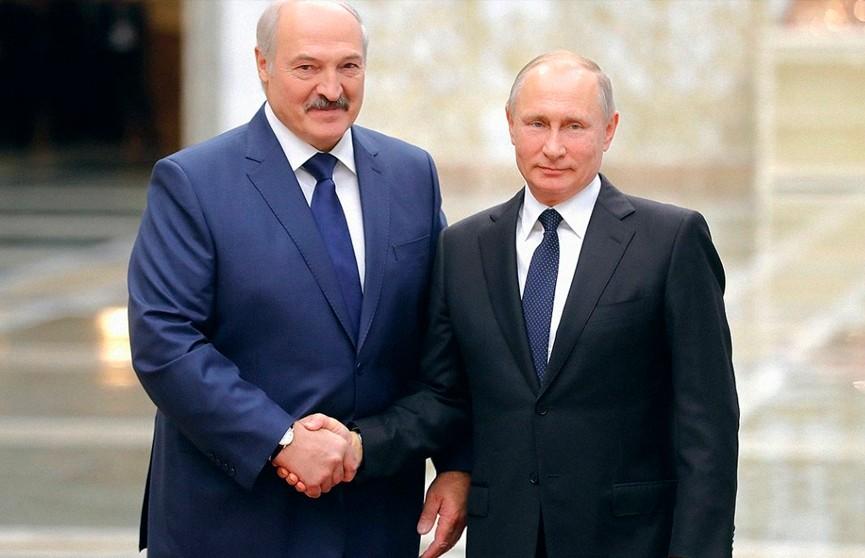 Александр Лукашенко поздравил Владимира Путина с днём рождения