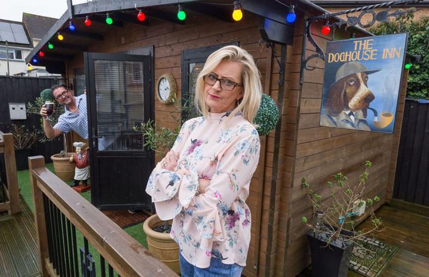 Британка  приручила мужа, построив паб во дворе