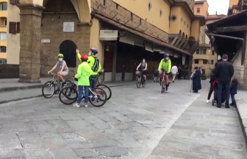 Италия и Испания начали смягчать карантинные меры