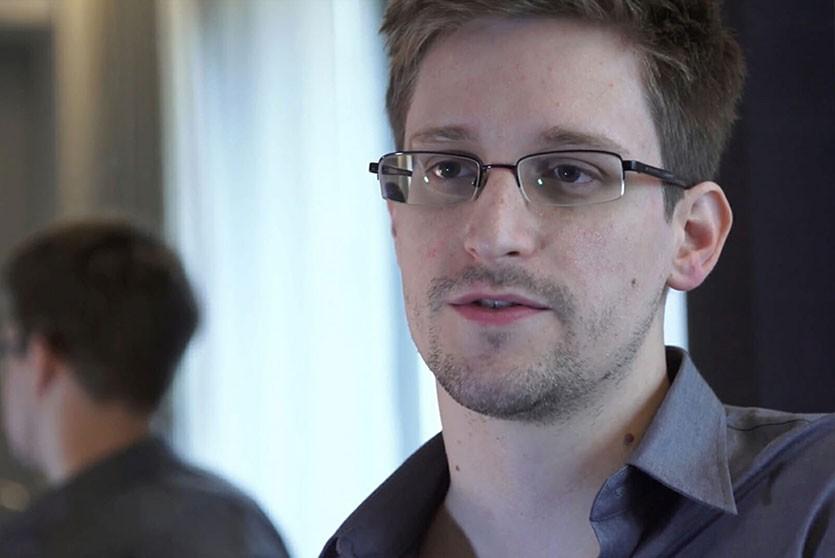 Сноуден предупредил чиновников об опасности использования WhatsApp и Telegram