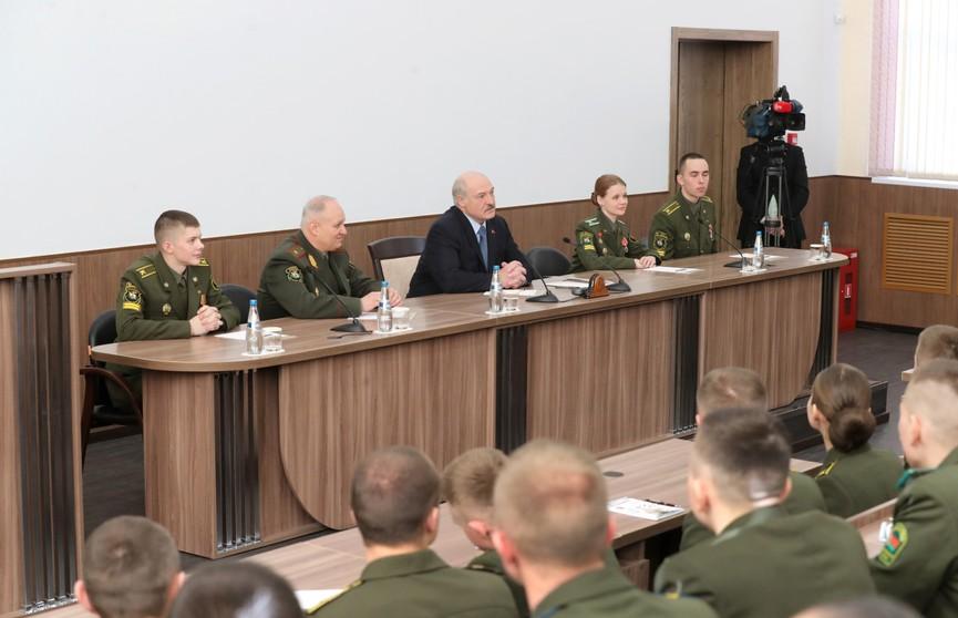Александр Лукашенко: Беларусь не отступит от реализации мирной внешней политики