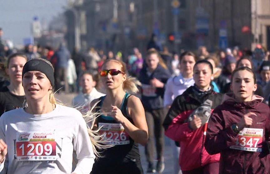Праздничный забег прекрасных дам прошёл в Минске