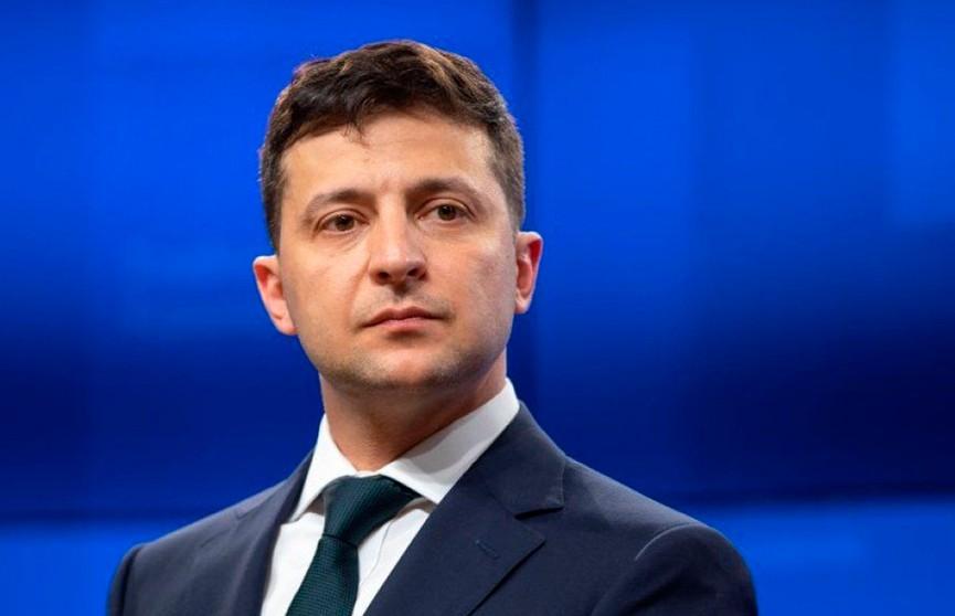 Стало известно, какую зарплату получает Зеленский на посту президента Украины