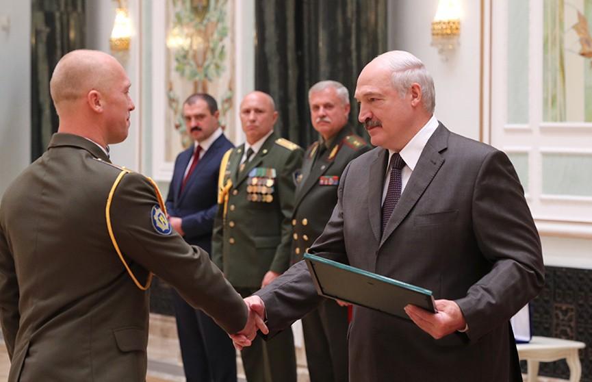 Лукашенко – Службе безопасности Президента: В том числе благодаря вам в Беларуси сохраняется мир и порядок