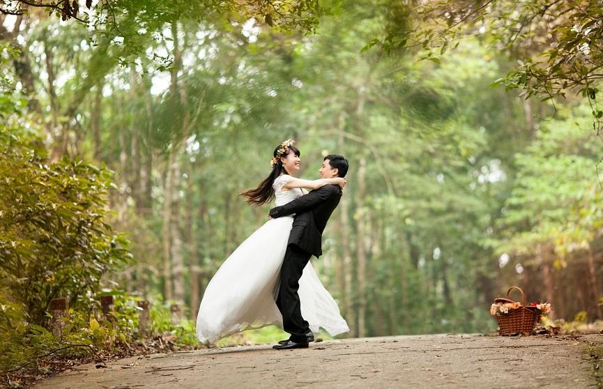 Мужчина четыре раза женился и трижды развелся за 37 дней