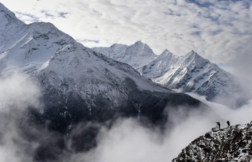 Девять альпинистов стали жертвами снежного шторма в Непале