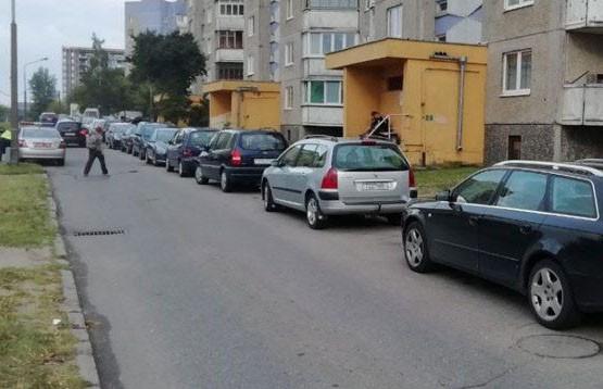 Водитель «Ниссана» сбила 7-летнюю девочку во дворе жилого дома в Гродно