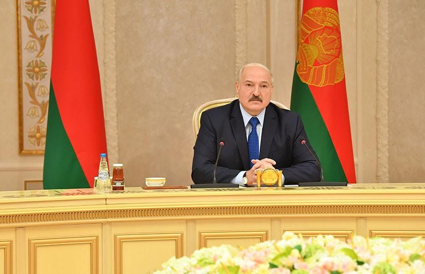 Лукашенко: «Мы обязаны сохранить славянское кровное родство ради будущих поколений». Итоги встречи Президента с представителями СМИ Украины