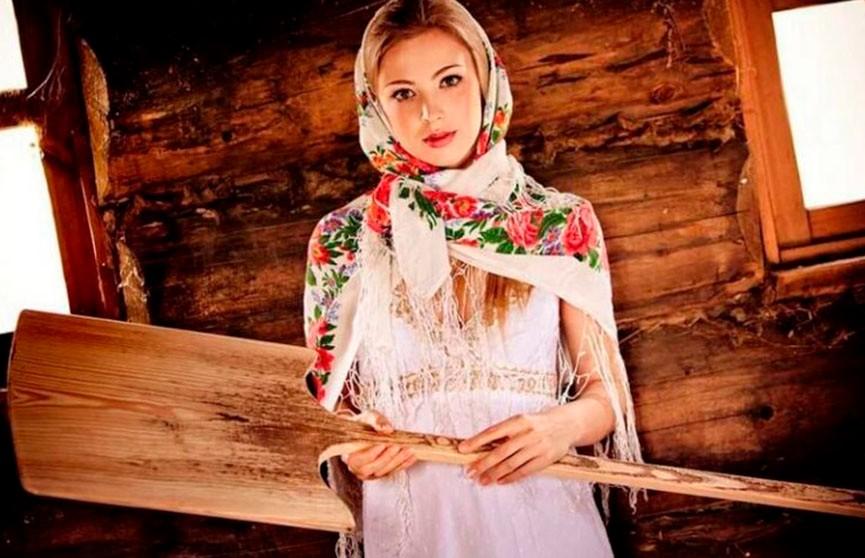 Невероятная красота! Какая деревенская девушка вам приглянулась больше?