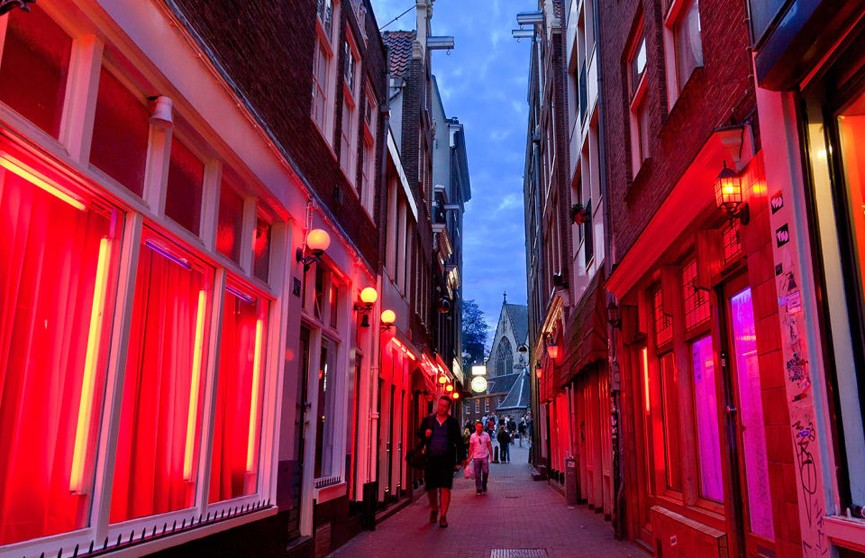 Квартал красных фонарей перенесут на окраину Амстердама