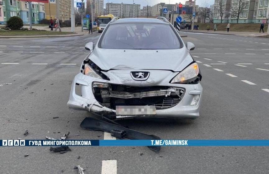 Авария с участием милицейского автомобиля произошла в Минске
