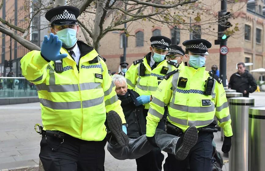 В Лондоне в ходе акции «ковид-диссидентов» задержали 29 человек