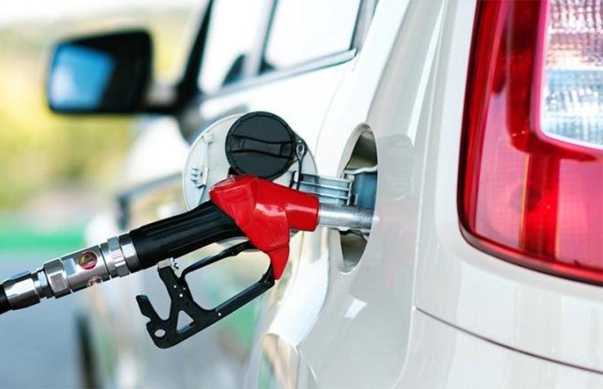 Опрос «Белнефтехим»: Как повышать цены на бензин?