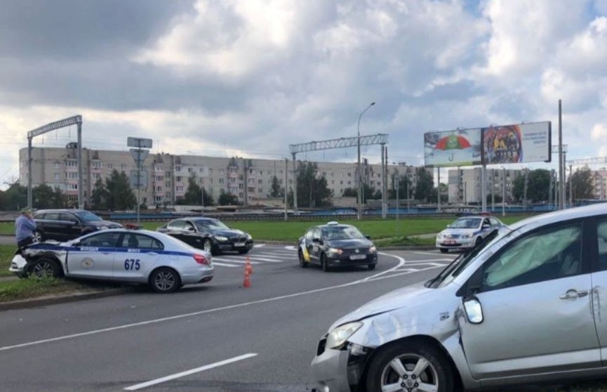 Два человека пострадали в аварии с участием машины ГАИ в Минске