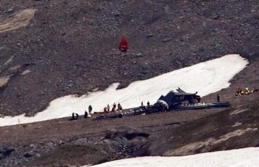 Пассажирский самолёт разбился в швейцарских Альпах: 20 погибших