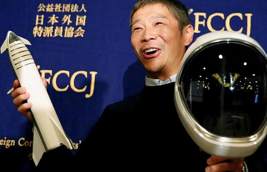 Японский миллиардер выберет восемь человек для полета с ним на Луну