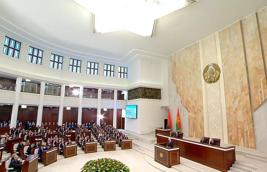 Президент призвал белорусов осознать своё национальное единство