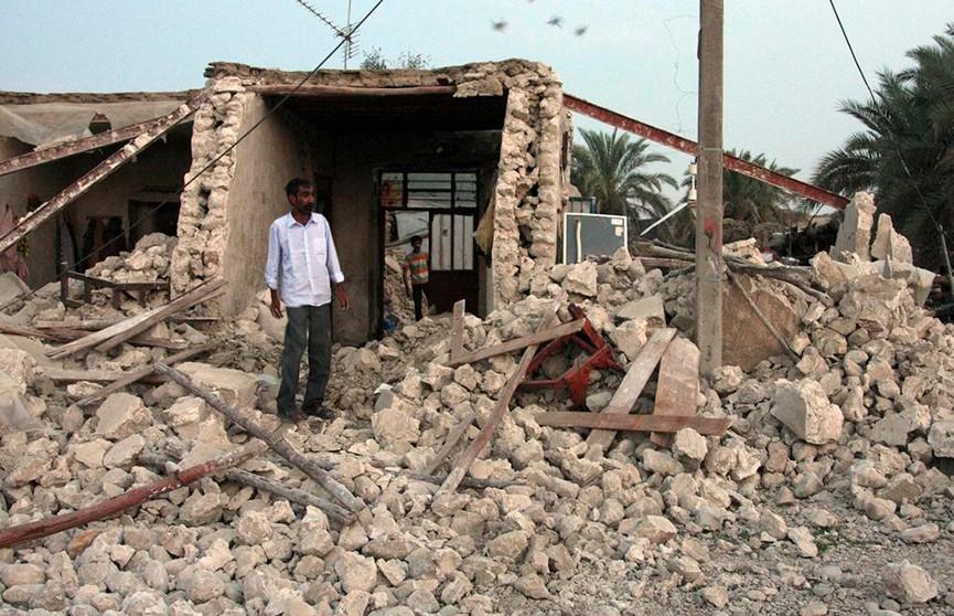 Мощное землетрясение на западе Ирана привело к жертвам