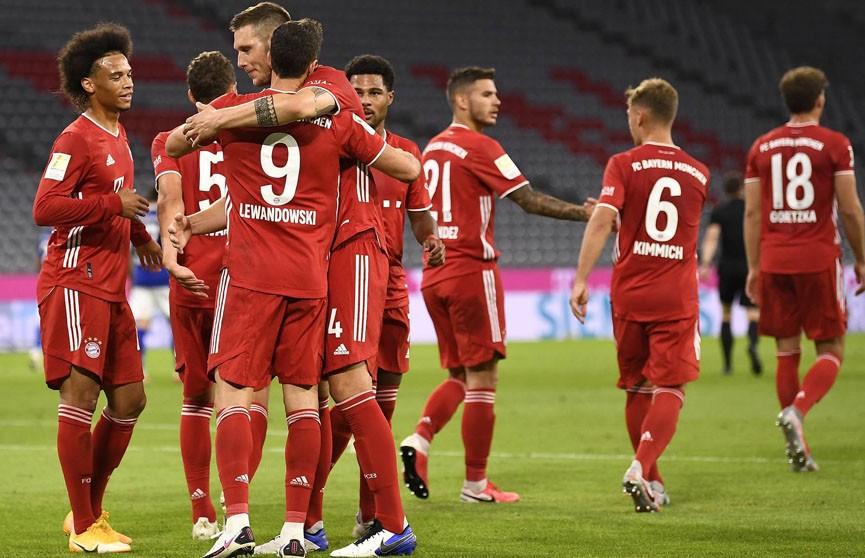 «Бавария» со счетом 8:0 разгромила «Шальке» в первом матче чемпионата Германии по футболу