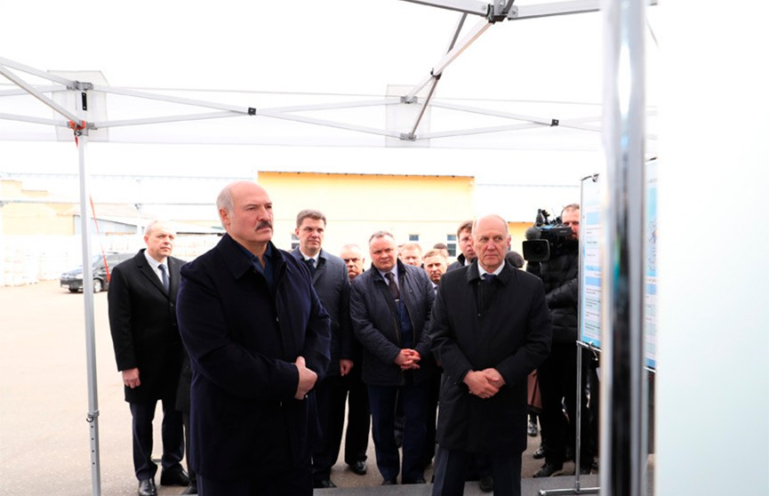 Лукашенко о поддержке предприятий: Главное – сохранить трудовые коллективы