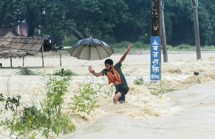 В Непале из-за оползней погибли 24 человека, почти столько же пропали без вести