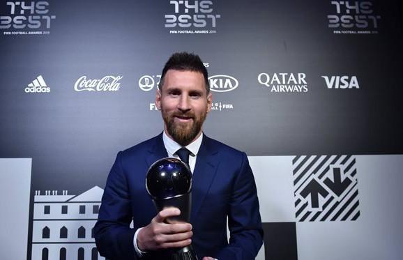 Лионель Месси стал лучшим футболистом года по версии ФИФА