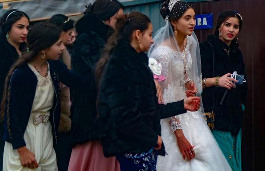 Цыганские традиции в день свадьбы: вы и представить не могли!