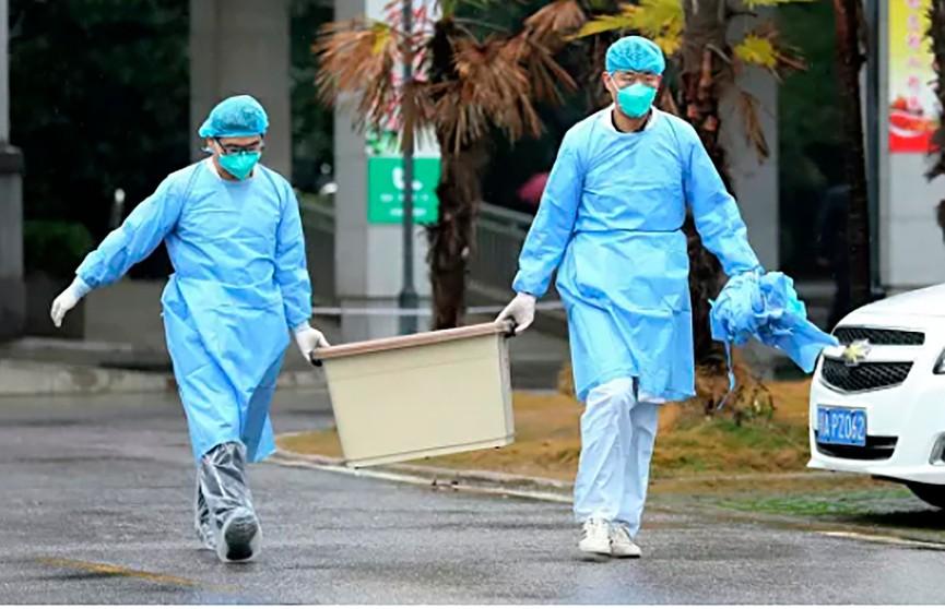 В очаге коронавируса Ухане остановили общественный транспорт