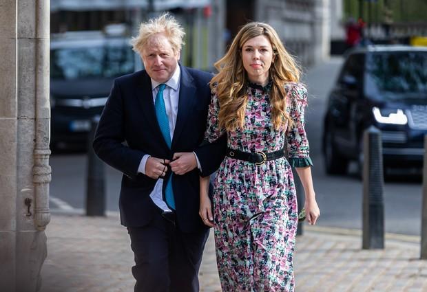 Свадебное платье невесты Бориса Джонсона восхитило Сеть и стало новым хитом