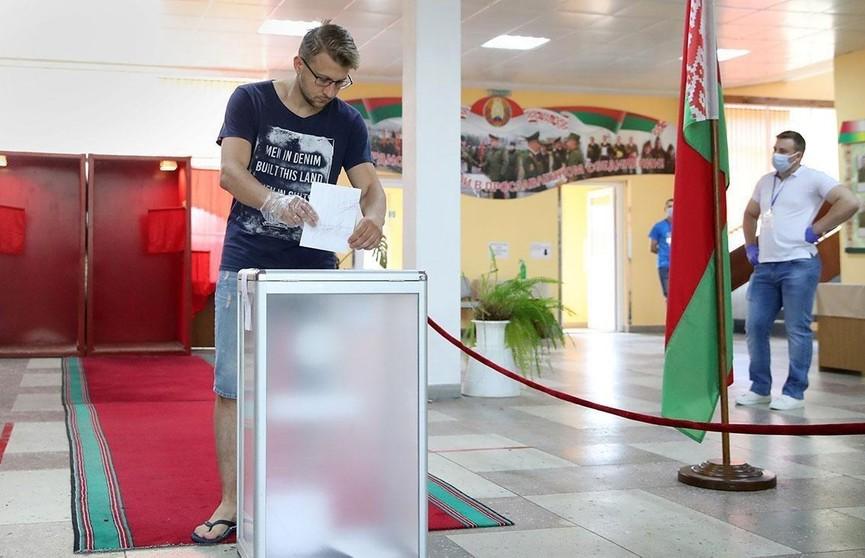 Досрочное голосование: белорусы продолжают приходить на избирательные участки. Каким был четвертый день?