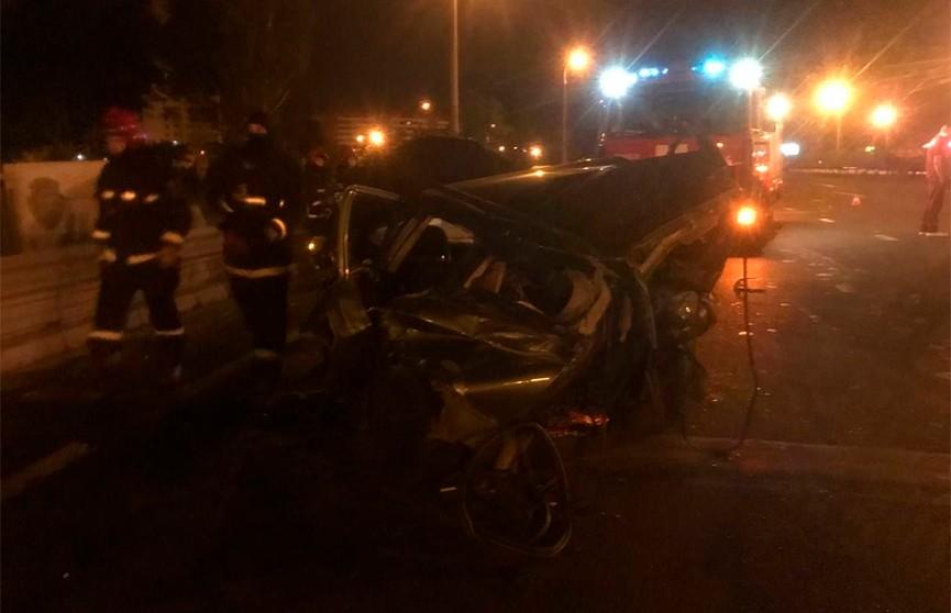 Четыре человека пострадали в ночном ДТП на МКАД