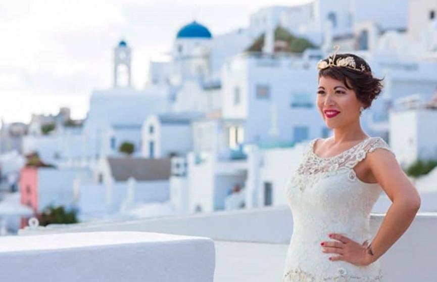 Брошенная француженка отпраздновала свадьбу без жениха