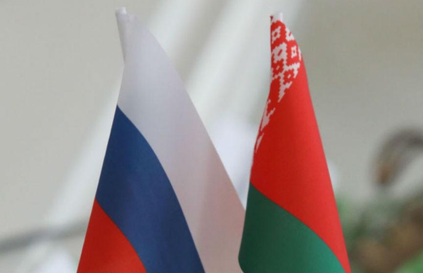 Лукашенко обсудил с Медведевым вопросы сотрудничества