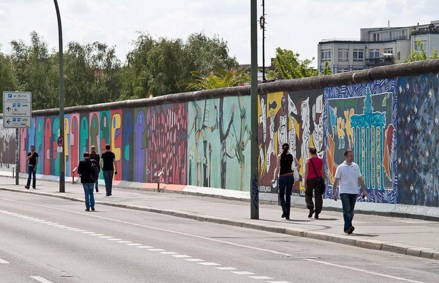 Берлинскую стену восстановят и снова разрушат на 30-летие объединения