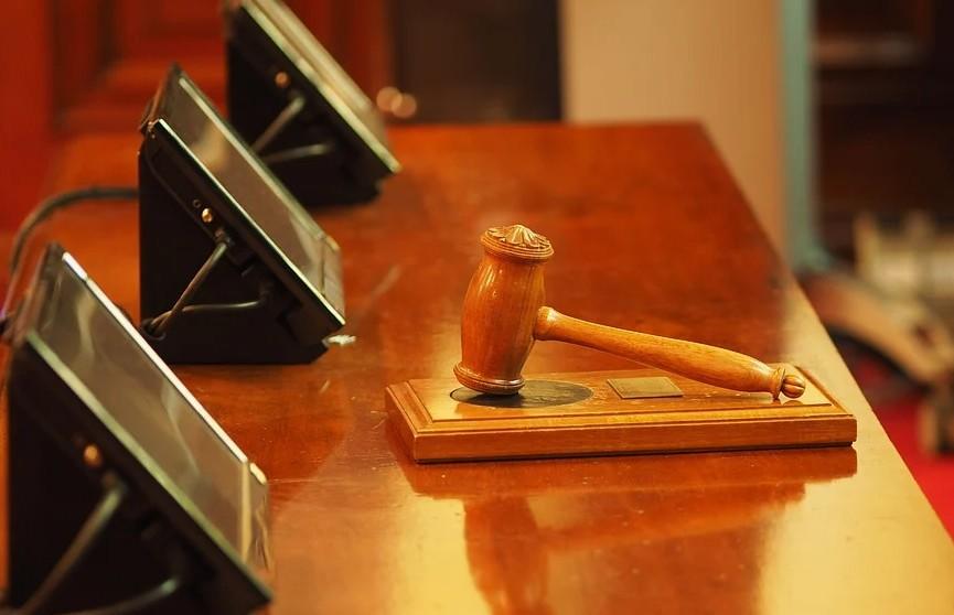 Криминального авторитета застрелили в зале суда в Индии