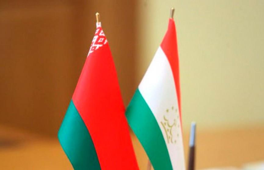 Лукашенко и Рахмон по телефону обсудили сотрудничество Беларуси и Таджикистана