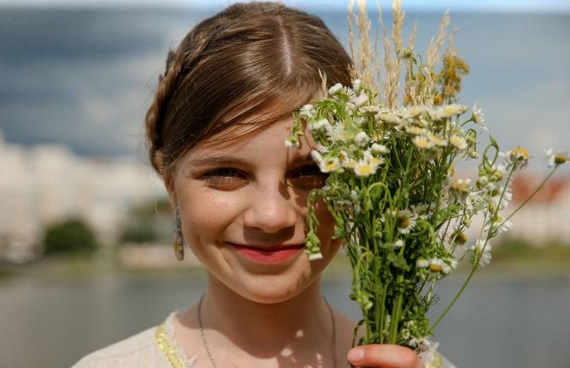 Белорусские традиции: свадебный обряд, «гукаць вясну», «дажынкі»