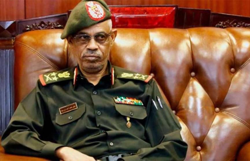 Министр обороны Судана: переходный период продлится два года