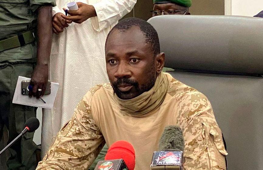 Лидер военного переворота в Мали назначен временным президентом страны