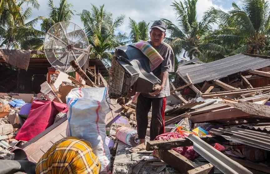 Число жертв землетрясения в Индонезии достигло 420 человек